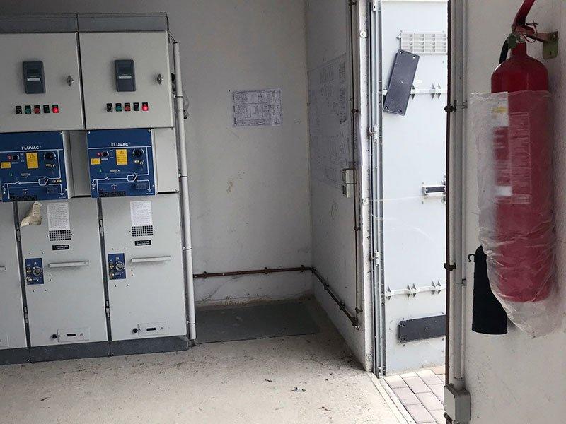 Pulizia cabine media tensione manutenzione e serraggio cavi