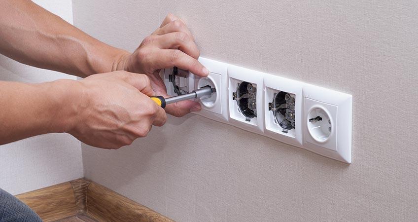 La corretta manutenzione dell'impianto elettrico: ecco gli obblighi di legge